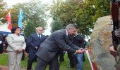 Odsłonięcie i poświęcenie tablicy poświęconej ofiarom katastrofy smoleńskiej w Domaradzu