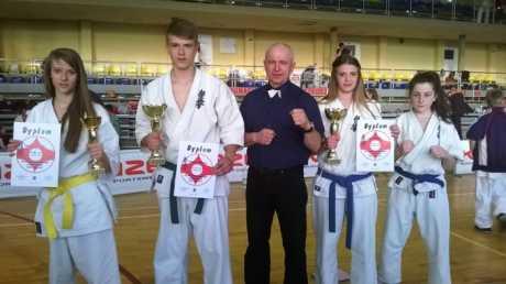 Grzegorz Bartman i Anna Bartman - mistrzami Podkarpacia w karate.