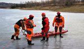 OSP w Bliznem. Ćwiczenia na zamarzniętym akwenie wodnym
