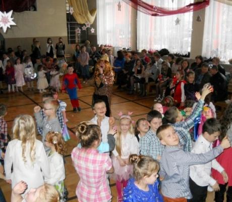 Karnawałowo w Zespole Szkół w Jasionowie