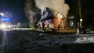 Nad ranem palił się budynek mieszkalny w Orzechówce