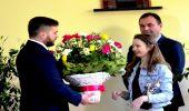 Szkoła Podstawowa w Wesołej. Powitanie Ani Dąbrowskiej  - zwyciężczyni The Voice Kids 2